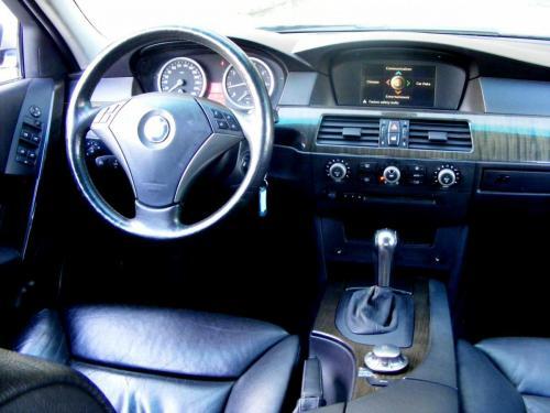 BMW 545i 2004 (1)