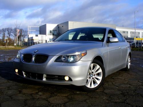 BMW 545i 2004 (2)