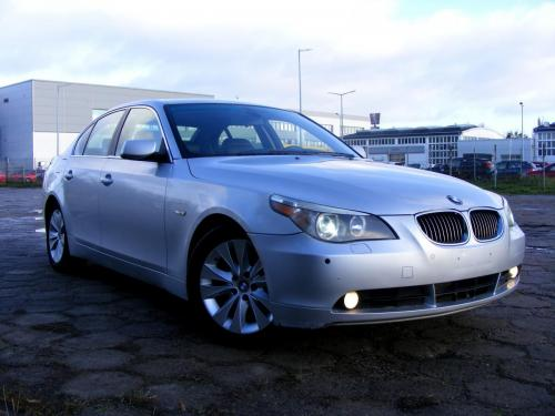 BMW 545i 2004 (5)