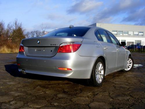 BMW 545i 2004 (9)