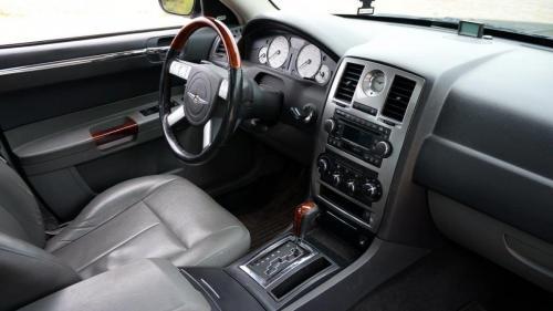 Chrysler 300 2005 (2)