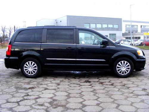 Chrysler Town  Country 2013 (12)