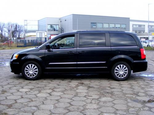 Chrysler Town  Country 2013 (5)