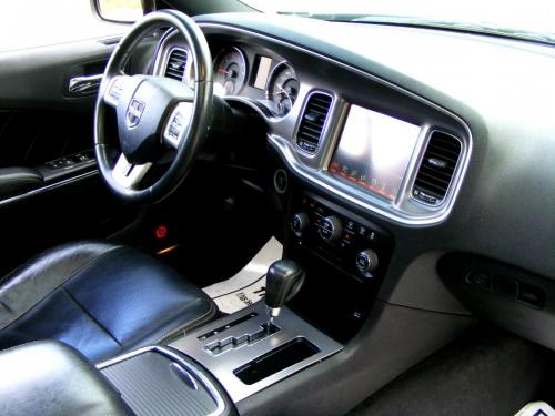 Dodge Charger 2012 5,7 HEMI (5)