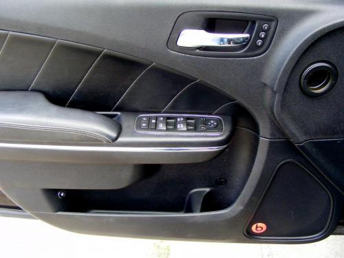 Dodge Charger 2012 5,7 HEMI (7)