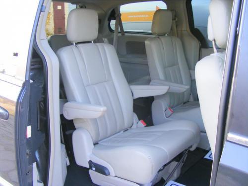 Dodge Grand Caravan 2011 Crew (25)