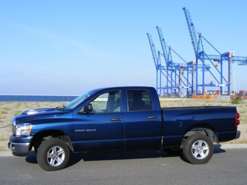 Dodge RAM 2007 4x4 SLT QUAD CAB bok lewy