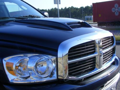 Dodge RAM 2007 4x4 SLT QUAD CAB przod maska