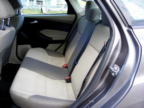 Ford Focus 2014 automat (17)