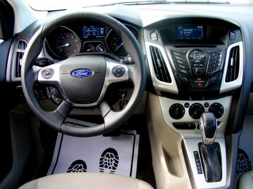 Ford Focus 2014 automat (19)