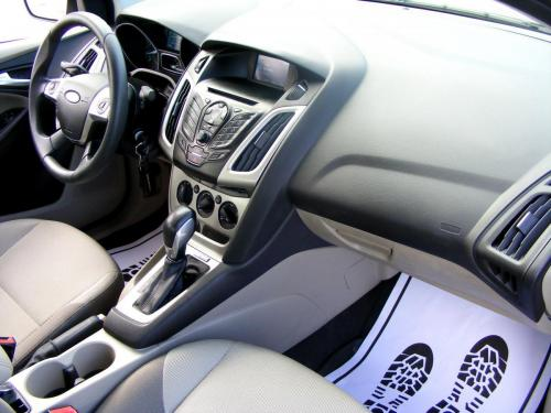 Ford Focus 2014 automat (21)