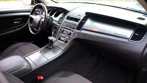 Ford Taurus 2011 (18)