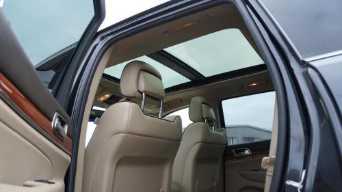 Jeep Grand Cherokee 2012 CRD Overland (24)