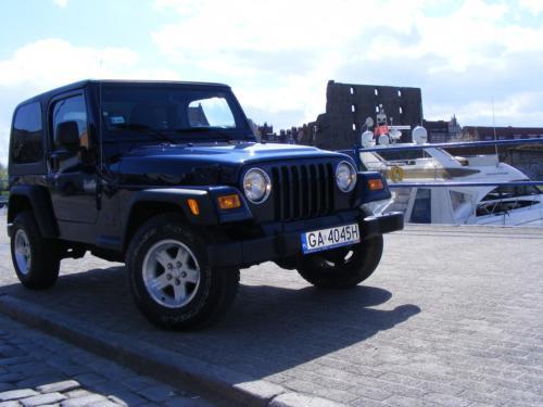 Jeep Wrangler 2004 przod bok prawy