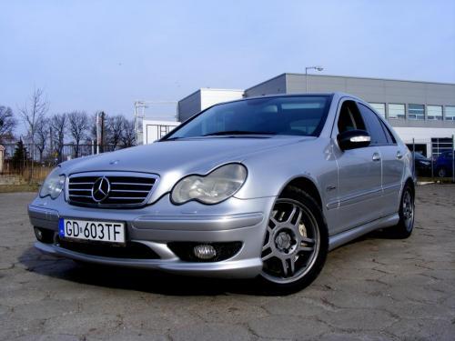 Mercedes C32 AMG 2001 (2)