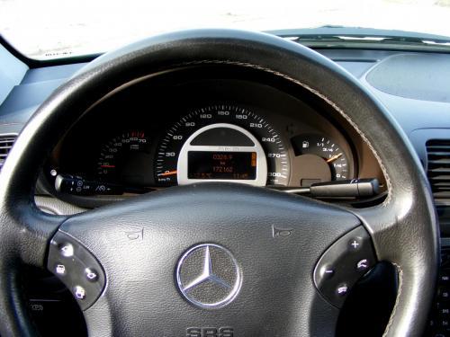 Mercedes C32 AMG 2001 (22)