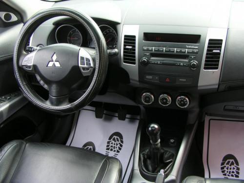 Mitsubishi Outlander 2010 (13)