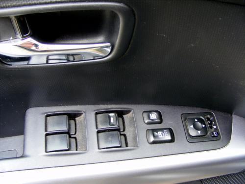 Mitsubishi Outlander 2010 (2)