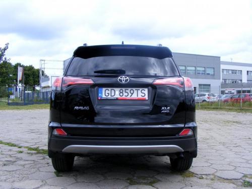 Toyota RAV 4 XLE 2017 (11)