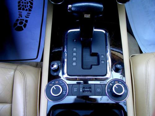 VW Touareg 2004 (2)