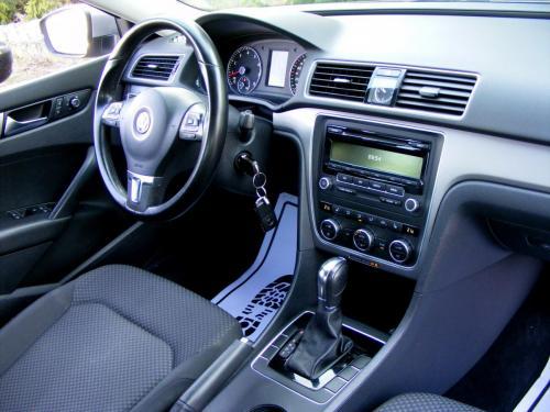 Volkswagen Passat 2013 (1)