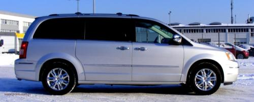 chrysler-town-country-2010-limited