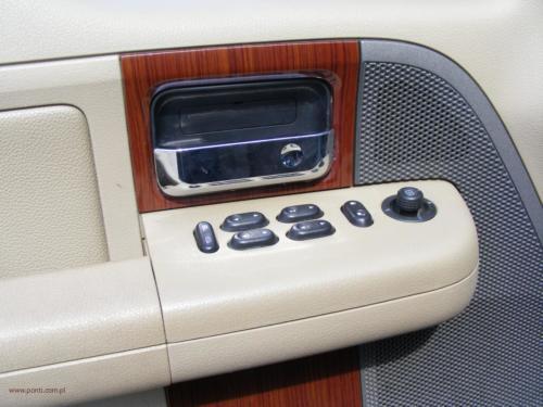 ford-f-150-2005-4x4-lariat[8]