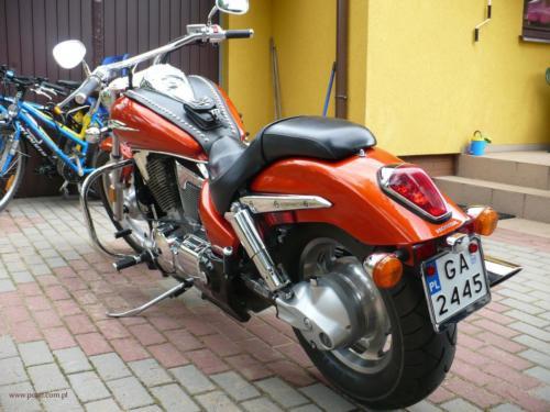 honda-vtx-1300c-2006[1]