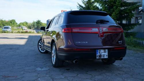 lincoln-mkt-2010-awd-ecoboost[3]