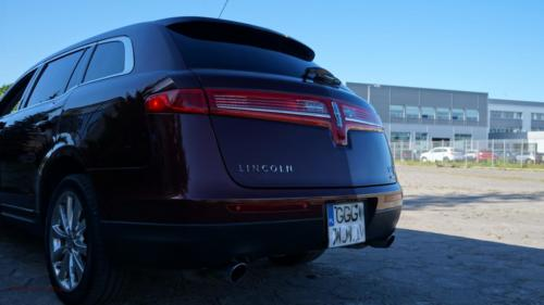 lincoln-mkt-2010-awd-ecoboost[5]