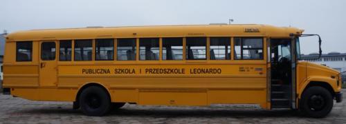 school-bus-freightliner-2001