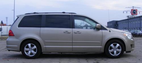 volkswagen-routan-2009